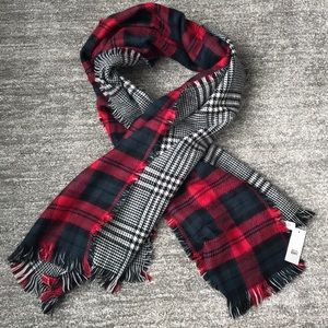 New Bp. Plaid Reversible Scarf